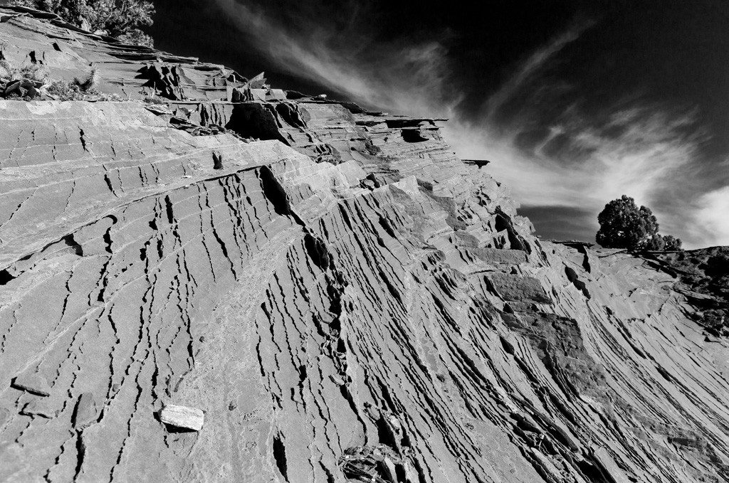 south coyote buttes, black and white